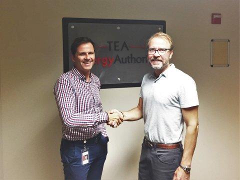 SAMARBEIDER: Knut Gustavsen i eSmart (t.v.) og Tom Harvey i TEA vil samarbeide enda tettere nå som eSmart åpner nytt hovedkontor i USA.