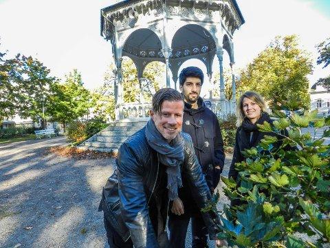 TO BANER: Gjermund Wibe, Christian Ferreira og Alice Snorradottir Yolo mener det er god plass til to kunstisbaner rundt paviljongen.