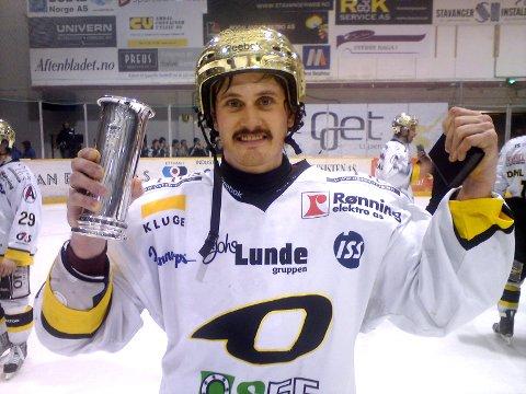 500: Peter Lorentzen spilte torsdag kveld sin kamp nummer 500 da Stavanger Oilers banket Storhamar 7-3 i toppkampen i Getligaen.