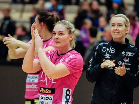INGEN KAMP: Pernille Wang Skaug og resten av Vipers-laget ble trolig matforgiftet i etterkant av kvartfinalen i EHF-cupen. Kveldens kamp mot Gjerpen er dermed blitt utsatt.