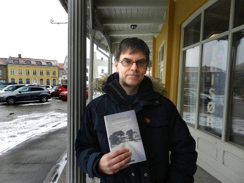 FORFATTER: Tom Ingar Eliassen har skrevet novellesamlingen «Jeg har hørt det er fint her».