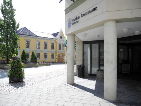 LURT?: Halden kommune betalte   576.000 kroner til Det Norske Kartselskap i 2012, men stanset alle utbetalinger i 2013. Nå er selskapet i offentlighetens søkelys for å ha lurt til seg 7,5 millioner fra 200 kommuner og fylkeskommuner.