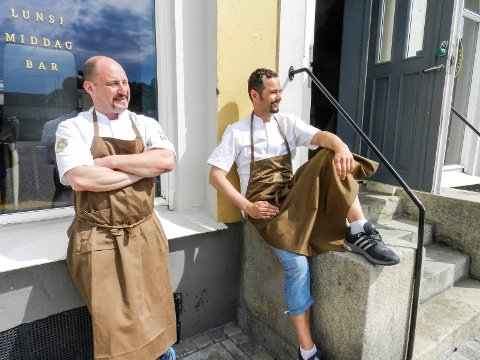 ÅPNET: Haakon Selmer-Olsen og Robert Aksmo har åpnet Kokkekollektivet på Sydsiden.