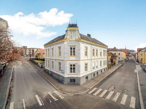 HISTORISKE LEILIGHETER: Her i Oscarsgate skal det nå bli flotte leiligheter, slik det var da bygningen ble oppført rundt 1880.