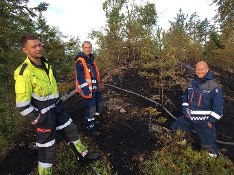 VED ABBORTJENN:  Fra venstre: Martin Willard ved Halden brannvesen, Ole Martin Kristiansen og Helén Edvardsen ved Sivilforsvaret.