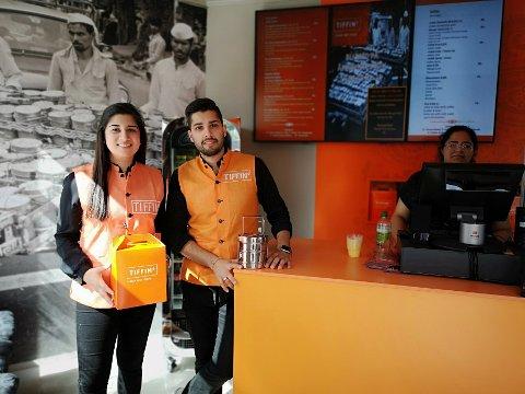 TIL SALGS: Ashwarya Sharma og Samrid Sharma åpnet dørenen til restauranten i august, men nå er den til salgs.