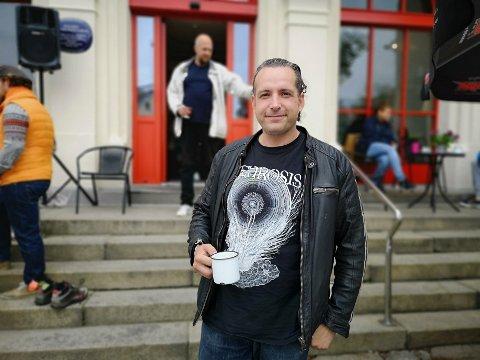 VIL HJELPE: Tony Jensen fra Halden har hatt en tøff barndom preget av rus. Nå hjelper han andre.