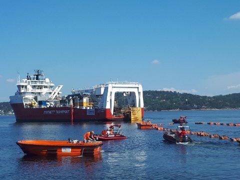 OSLOFJORDEN: Nexans har hatt mange båter og folk i sving under installasjonsarbeidet i og ved Oslofjorden våren og sommeren 2017 og 2018.