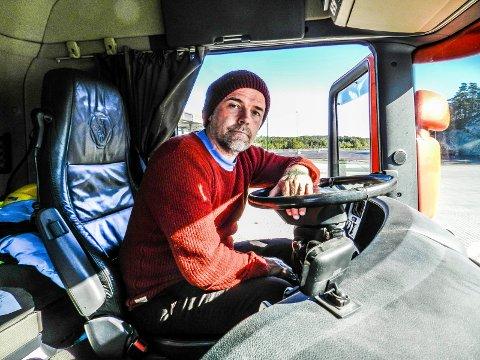 PÅ JOBBJAKT: – Jeg kan kjøre vogntog, tip-bil og semitrailer. Jeg er åpen for alt, sier Thor-Martin Hallesby Thorsen.