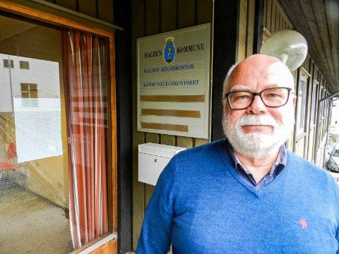 KONTROLL: Kommuneoverlege Halvard Bø føler de har kontroll over koronasituasjonen i Halden. Arkiv.