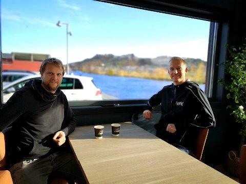 BISTRO: Espen Halkjær (t.v) og Anders Viken er gründerne bak det nye spisestedet ved Høvleriet. Til fredag åpner de dørene.