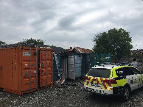INNBRUDD: Det har vært flere innbrudd i konteinere på byggeplasser i Halden i høst. Nå ønsker politiet i Halden at byggeplasser gjør forebyggende tiltak for å forhindre flere innbrudd.