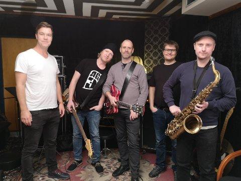 FRA TRE TIL FEM: AG3 startet opprinnelig som en trio, men nå har bandet blitt enda større. Fra venstre: Espen Holtan, Geir-Arne Westby, Gjermund Skogh, Magnus Buer Hansen og Fredrik Mortensen.