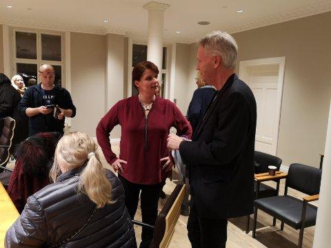 UENIG: Kirsti Brække Myrli og Fridtjof Dahlen under onsdagens møte med hovedutvalget for undervisning og oppvekst.