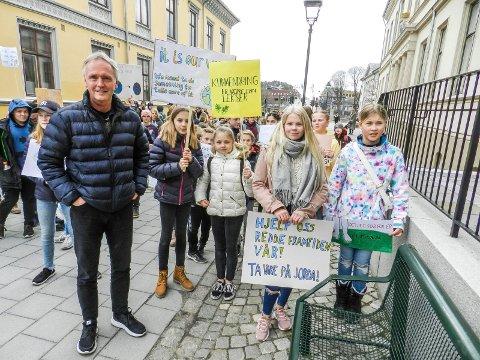 REAGERER: Fridtjof Dahlen reagerer på at det føres fravær.