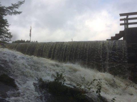 Vått: Regnmengdene blir ikke like ekstreme de neste dagene som i helgen, men det kommer en del nedbør. (Illustrasjonsbilde)