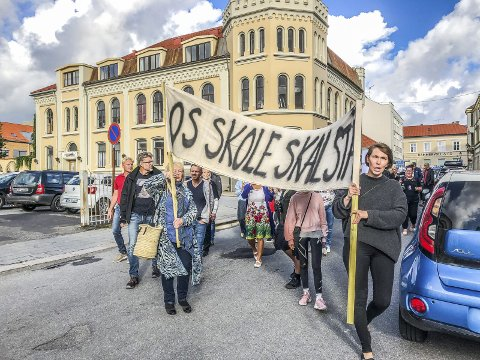 TRIST: Os-prosjektet ble møtt med protesttog – ikke entusiasme. Foto: Hanne Eriksen