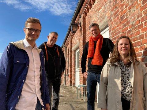 Det var god stemning på planleggingsmøtet for de nye nødboligene i Halden. F.v: Richard Olsen (HABO), Trond Henriksen (Kirkens Bymisjon) Per Christian Skaugen (Kirkens Bymisjon) og Cathrine Jørgensen (NAV Halden).
