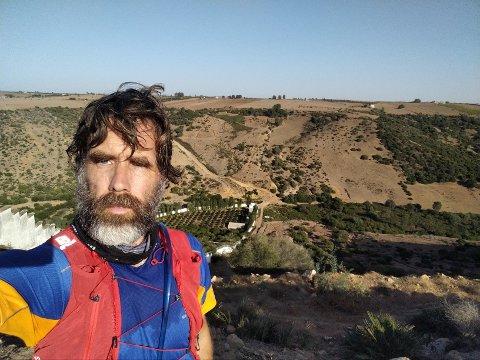 Jostein Sand Nilsen bor for tiden i Marokko. Han skriver om barndommen i Halden på bloggen Haldenminner.
