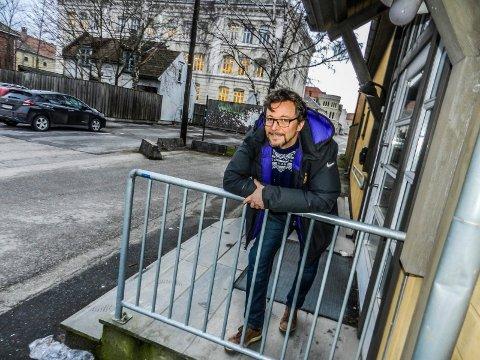 LEDER I HALDEN KULTURRÅD: Johnny Nilsen i Halden kulturråd er svært skeptisk til rapporten om Brygga kultursals framtid.