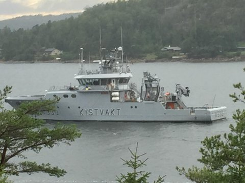 Kystvakten patruljerte i Skjebergkilen søndag.