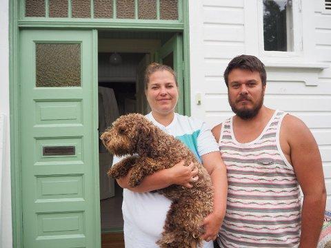 LETTET: Ekteparet Ingrid og Helge Bergseth Bangsmoen er lettet over at politiet har pågrepet tre personer etter innbruddet i eneboligen deres i Dyrendalsveien i forrige uke.
