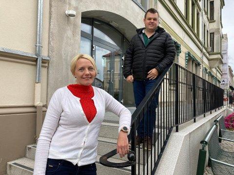 KANDIDATER: Solveig Østby Vitanza og Marius Bjørndalen er foreslått fra Halden Ap til nominasjonslisten til Stortingsvalget i 2021.