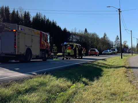 RYKKET UT: Alle nødetatene rykker ut til ulykke i Heliveien i Spydeberg.