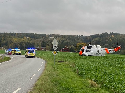 En mann i 50-årene ble torsdag ettermiddag fløyet til Ullevål sykehus med kritiske skader.
