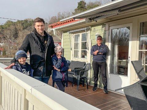 Jon Espen Ajer Stenersrød har koronavennlig påskeferie med barna Ea og Kaspian, og faren Per Arne Stenersrød.