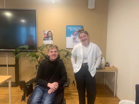TV-KLARE: Andreas Christoffer Folmer og Celine Gøperød er klare for å lose haldenserne gjennom en direktesending på web-TV tirsdag. Sendingen blir blant annet tilgjengelig via HAs nettsider.