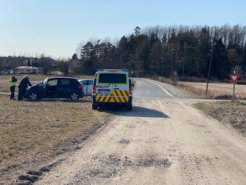 To biler var involvert i ulykken som fant sted i Skjeberg lørdag ettermiddag. Ingen kom til skade i sammenstøtet.
