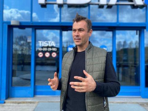 ÅPNER SNART: – Vi åpner i starten av oktober, sier daglig leder Jamie Sørensen i Nivå i Tista senter..