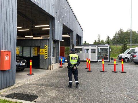 Politiet og tolletaten ved grenseovergangen på Svinesund.
