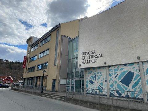 Kommunedirektøren vil gi 1,6 millioner kroner i årlig støtte til Brygga kultursal.