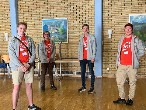 HALDEN-PATRULJEN: Mathias Lind Høyning, Aleksander Olsen, Isak Hagaseth Mydske (HK)  og Kristian Brandsrød er LOs sommerpatrulje i Halden. De har vært innom 45 bedrifter.
