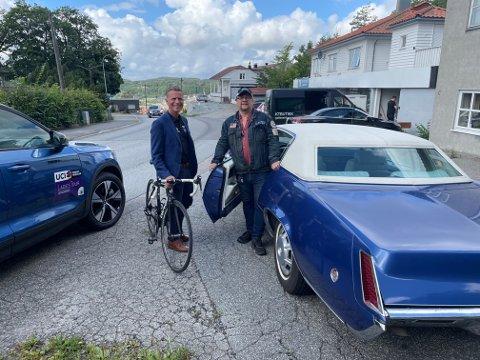 – Det blir gøy, sier Nils Petter Nilsen i Amcarklubben om stuntet når ti amcars skal kjøre foran feltet opp Knardalsbakken under defileringen før åpningsetappen av årets Ladies Tour of Norway. Roy Moberg håper mange vil bidra til å lage flotte TV-bilder.