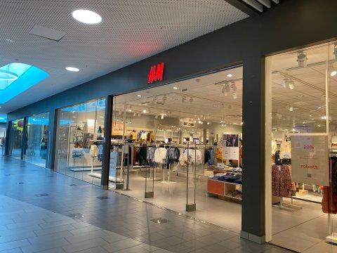 H&M på Tista senter søker etter ny ansatt.