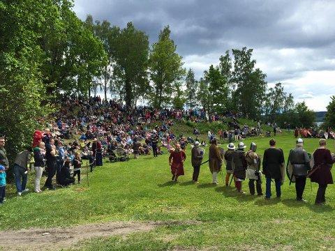KOMMER: Kongeparet kommer til Hamar Middelalderfestival i sommer.