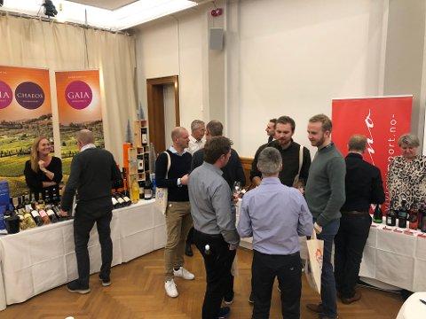 VELLYKKET: Hamar Vinfestival økte fra 400 til 700 deltakere da de flyttet festivalen til gamle Hamar rådhus i fjor.