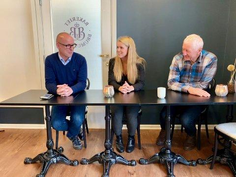 OVERRASKELSE: Morten Aspeli ble presentert som BBL-kandidat under en pressekonferanse fredag. Inga Borud og Einar Busterud mener de nå har en sterk liste til valget.