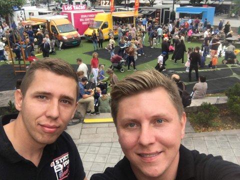 SATSER: Brødrene Damian og Lukasz Piechaczek har drevet med foodtruck-eventer i åtte år.