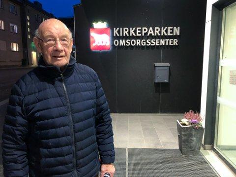 ET SAVN: Støttekontakt Kaare Johansen savner å få jobbe med pasientene sine. Foto: Trond Ivar Lunga