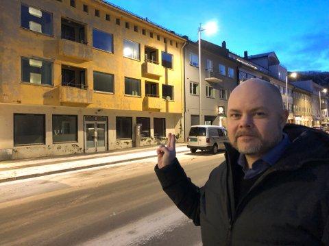 SOLGT: Byens minst fineste bygning, ifølge eiendomsmegler Fred Johansen, ble nylig solgt. Foto: Trond Ivar Lunga