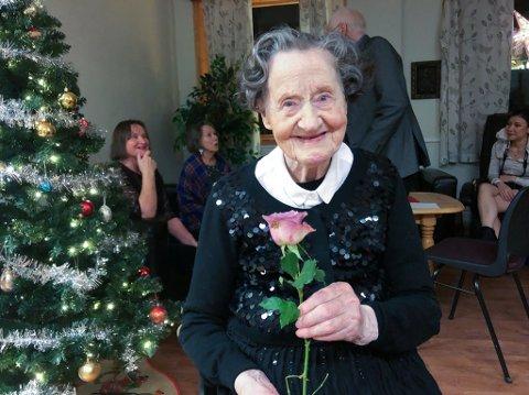 BLID HUNDREÅRING: Malmfrid Åse Valen fylte 100 år 14. desember. Foto: Trond Ivar Lunga