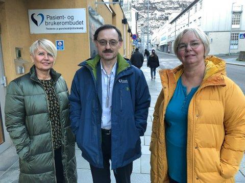 I NYE LOKALER: Irene Skjeldnes (til venstre), Odd Oskarsen og Mette Elisabeth Eriksen har nylig flyttet inn i flunkende nye lokaler på Nissensenteret. Foto: Trond Ivar Lunga