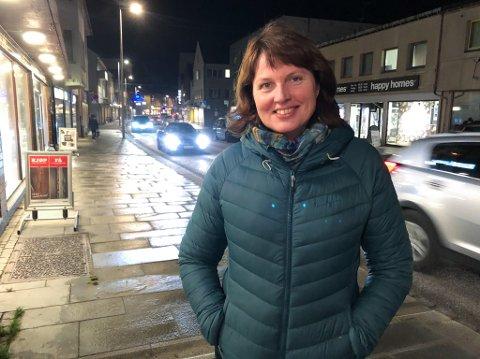HJEMMEKJÆR: Ingrid Petrikke Olsen foretrekker livet i Hellefjord enn å gjøre karriere sørpå. Foto: Trond Ivar Lunga