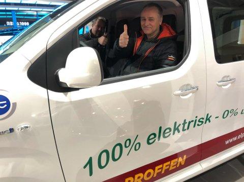 FREMTIDEN: Daglig leder Even Sageng hos Gagama Elektro AS har kjøpt inn tre elektriske varebiler. Foto: Trond Ivar Lunga
