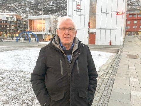 STØTTEKONTAKT: 73 år gamle Roy Birger Johansen har hatt samme lønn som støttekontakt siden han startet for over 40 år siden. Foto: Trond Ivar Lunga