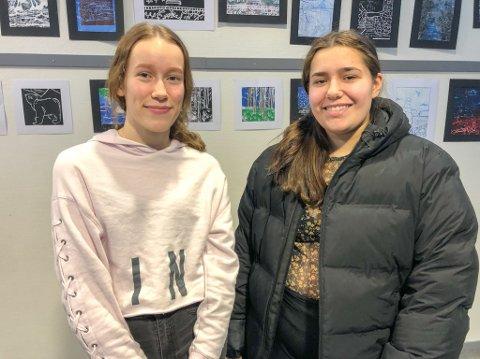 NEI TIL EKSAMEN: 10-klassingene Lisa Sivertsen Næss (til venstre) og Lenea Nilsen håper på å slippe eksamen til våren. Foto: Trond Ivar Lunga